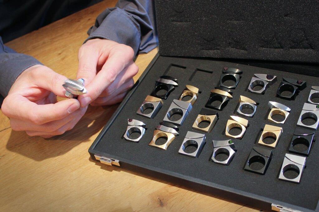 Michael Berger - Kinetic rings