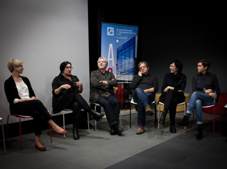 Discussion pannel